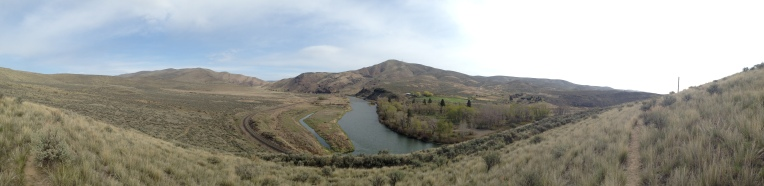 TT50 - 2014 Yakima Skyline 50k - 05 second climb looking toward Roza Creek prarie