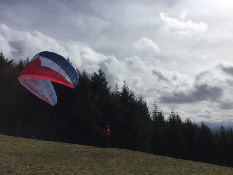 Poo Poo Point south launch. Paragliders were out in full force.